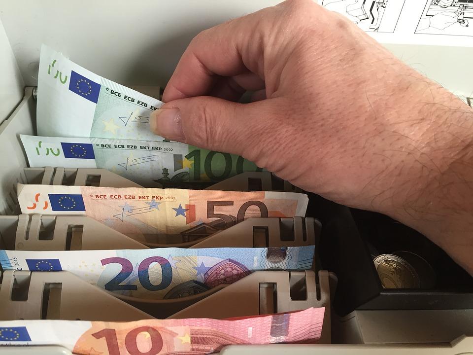 Cash back ou retrait argent au comptant en magasins en France